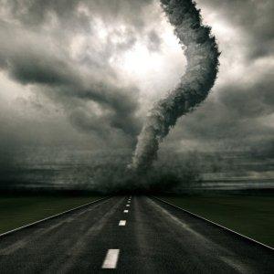 К чему снится смерч как сонник толкует приснившийся ураган