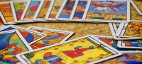 How to guess on the Tarot cards: the layouts for beginners with the interpretation