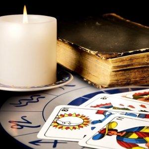 Гадание на обычных игральных картах: на имя, отношения и любовь парня