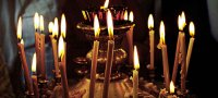 К чему снятся свечи: толкование по различным сонникам