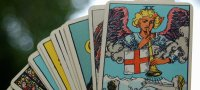What does the Tarot Emperor card mean, how does it combine with other lasso