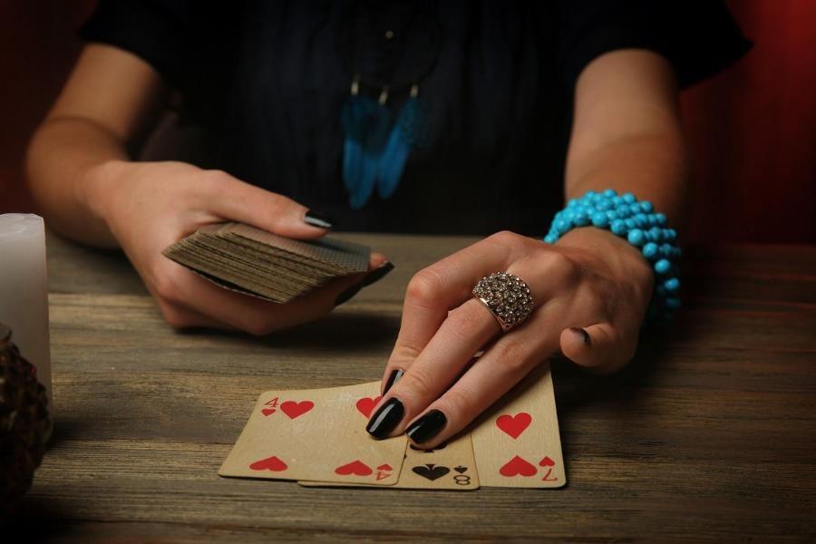 Гадание на игральных картах на любимого мужчину